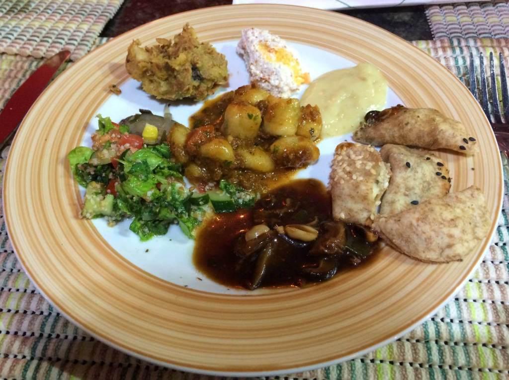 prato do buffet do refeitório orgânico com os3fominhas