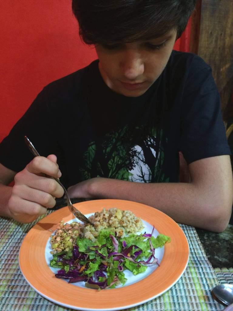 salada do refeitório orgânico com os3fominhas