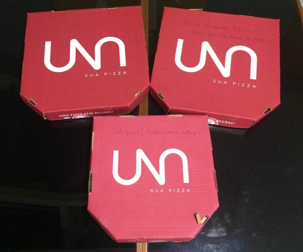 embalagens das pizzas com os3fominhas