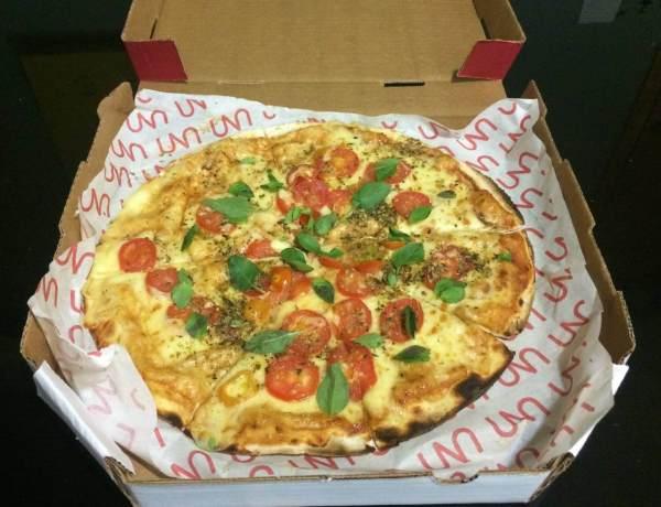 pizza de margherita com os3fominhas