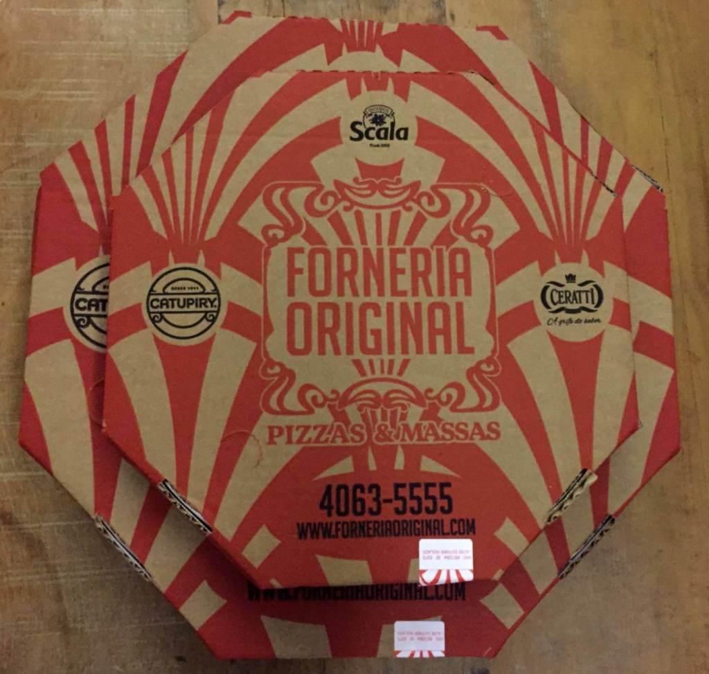 embalagem da pizza da Forneria Original com os3fominhas
