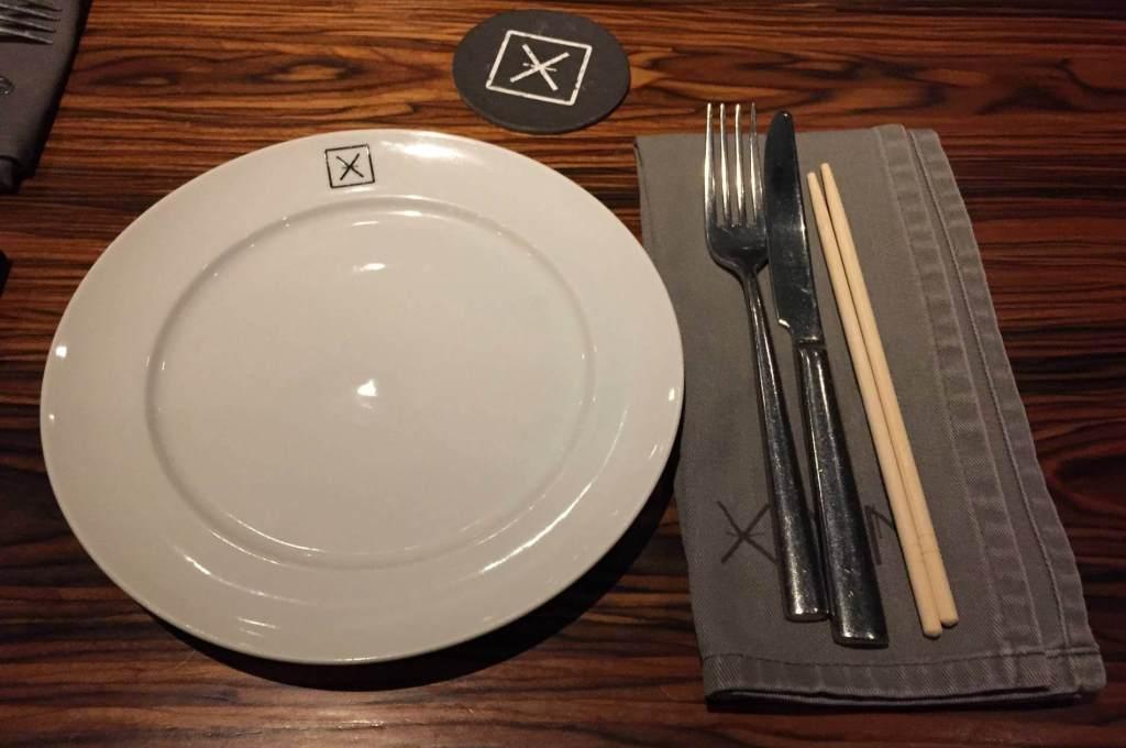 organização da mesa do Xian com os3fominhas