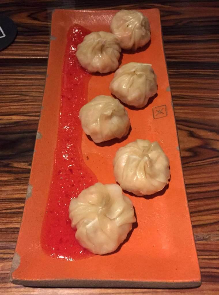 petisco dumpling de camarão do Xian com os3fominhas