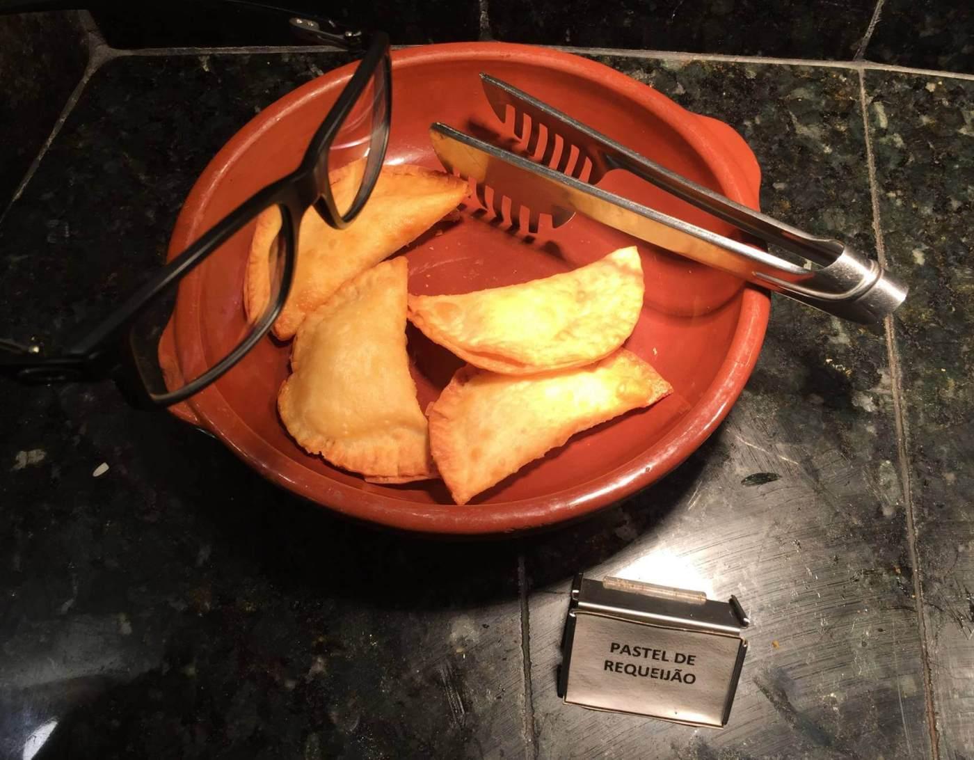 pastel do Zecas Restaurante com os3fominhas