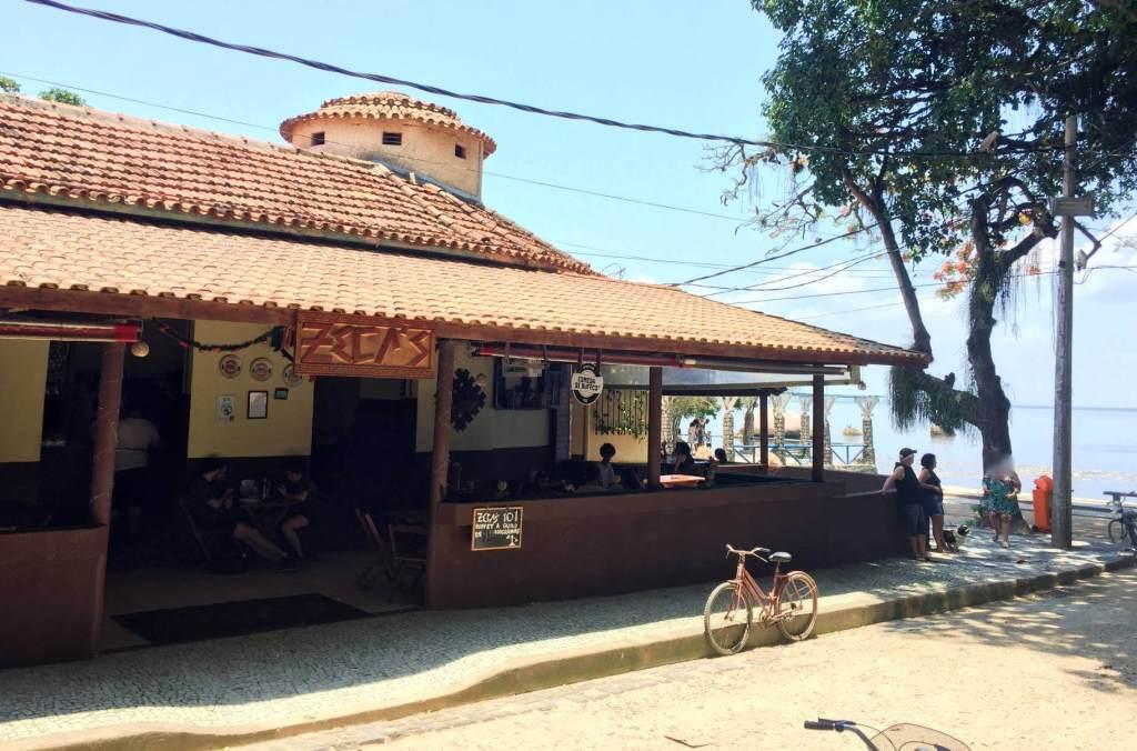 fachada do Zecas Restaurante com os3fominhas