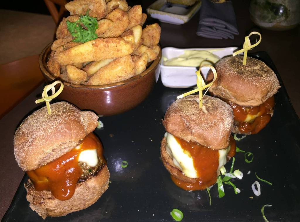 Katmandu-prato-mini-hamburgueres-os3fominhas