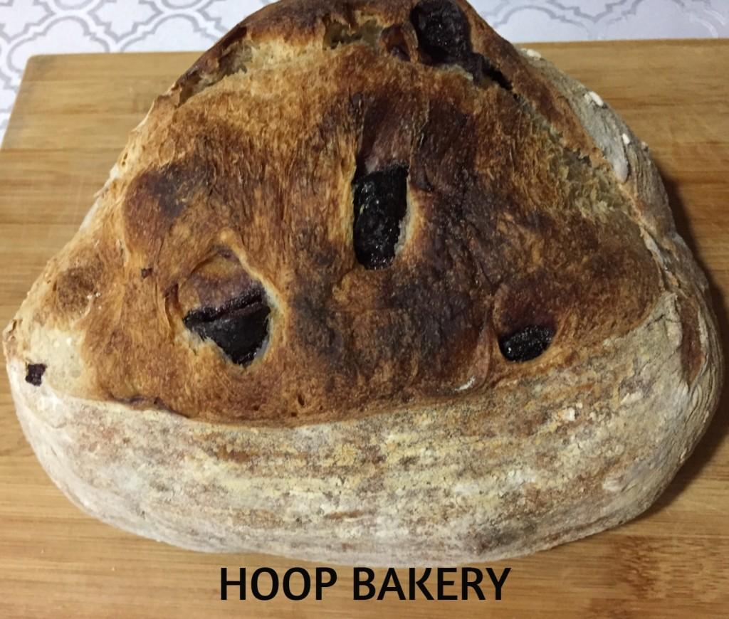 pão de azeitona preta da Hoop Bakery com os3fominhas