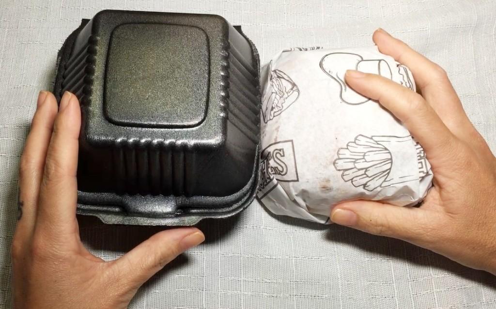 embalagem do combo #3 hamburguer jelly bacon do Sabinos com os3fominhas