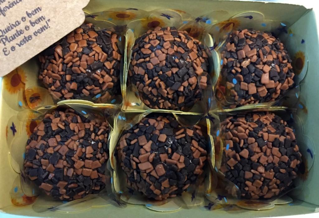 brigadeiro gourmet da Matahari Confeitaria com os3fominhas