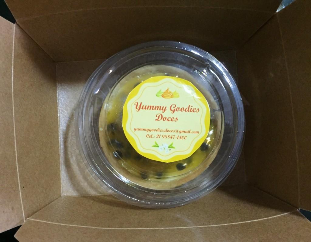 embalagem da torta de maracujá da Yummy Goodies com os3fominhas