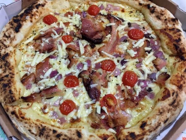 Buca pizza Amatriciano com os3fominhas